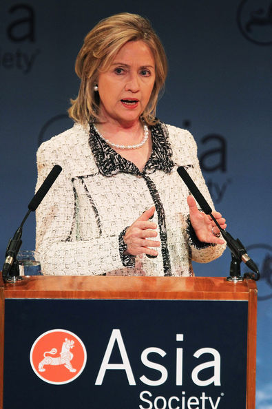 Clinton Gives Speech On U.S. Policy In Afghanistan And Pakistan: NEW YORK, NY - FEBRUARY 18:  U.S. Secretary of State Hillary Rodham Clinton delivers a major policy speech at the Asia Society February 18, 2011 in New York City. Clinton layed out a framework for U.S. policy in Afghanistan and Pakistan emphasizing the goal to split the Taliban from Al-Qaeda in Afghanistan and have a drawdown of U.S. troops by 2014.   (Photo by Mario Tama/Getty Images)