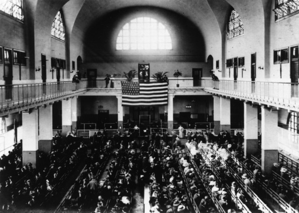 Registry Hall The Registry Hall on Ellis Island, New York.   (Photo by Hulton Archive/Getty Images)  -- Image Date: 01/01/1905  -- Image Date: 01/01/1905