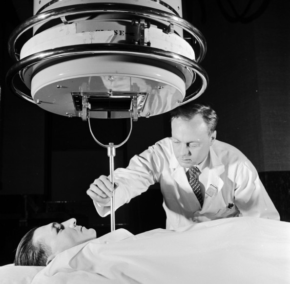 Cancer Treatment A patient at Francis Delafield Hospital undergoing radiation treatment for chest cancer.  The treatment involves 2 million volts of deep therapy x-rays radiating into the cancerous cells.   (Photo by Three Lions/Getty Images)  -- Image Date: 01/01/1955  -- Image Date: 01/01/1955