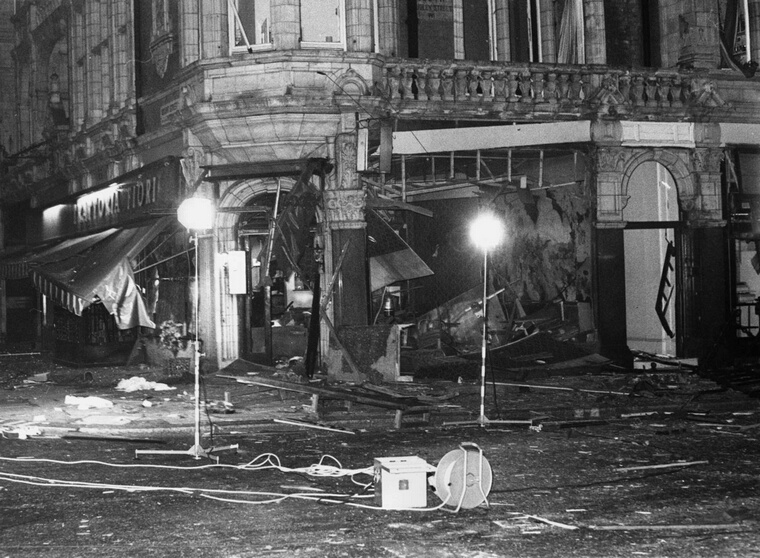 30th October 1975:  Devastation caused by a terrorist bomb explosion at the Trattoria Italian restaurant in Mayfair, London.  (Photo by Wesley/Keystone/Getty Images)