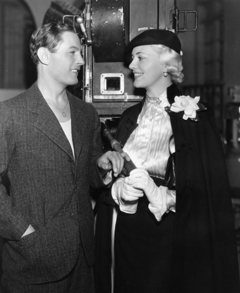 Movie Singers 1936:  Opera singer and actress Helen Jepson visiting Polish singer and actor Jan Kiepura (1902 - 1966) on the set of his latest film 'Give Us This Night'.  (Photo by Hulton Archive/Getty Images)  -- Image Date: 01/01/1936  -- Image Date: 01/01/1936