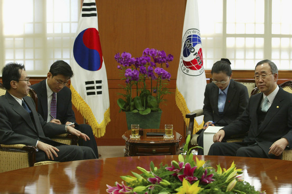 Photo Title: China And South Korea Meet To Discuss North Korea's Nuclear Claims -- SEOUL, SOUTH KOREA - MARCH 2: South Korean Deputy Foreign Minister, Song Min-Soon (R), talks with his Chinese counterpart Wu Dawei during a meeting, on March 2, 2005 in Seoul, South Korea. Wu Dawei met with officials in South Korea as the two nations stepped up efforts to get North Korea back to the table for nuclear disarmament talks. The United States and South Korea have urged China to play a more active role in persuading North Korea to return to the six-party talks, which also include Russia and Japan. Those efforts gained urgency after the North's unconfirmed claim on Feb. 10 that it has built nuclear weapons. (Photo by Chung Sung-Jun/Getty Images)  -- Image Date: 02/03/2005  -- Image Date: 02/03/2005