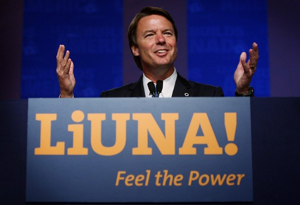 John Edwards Announces His Health Care Strategy; CHICAGO - SEPTEMBER 17:  Democratic Presidential hopeful former U.S. Senator John Edwards (D-NC) describes his plan for universal healthcare during a speech to members of the Laborers' International Union of North America (LiUna) September 17, 2007 in Chicago, Illinois. Hillary Clinton, Joe Biden and Bill Richardson were also scheduled to speak to the union members at the conference.  (Photo by Scott Olson/Getty Images)  -- Image Date: 9/17/2007