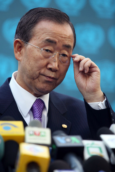Ban Ki-moon Makes A Suprise Visit To Afghanistan: KABUL, AFGHANISTAN - NOVEMBER 2:  United Nations Secretary General Ban Ki-moon gives a press conference at UN Assistance Mission in Afghanistan (UNAMA) offices on November 2, 2009  in Kabul, Afghanistan. The UN secretary general today gave his backing to the next Afghan government. Hamrid Karzai has been declared the president of Afghanistan, the day after his only challenger, Abdullah announced that he would pull out of this week's run-off presidential election in Afghanistan due to concerns over widespread fraud and abuse of power by the governmment. (Photo by Majid Saeedi/Getty Images)