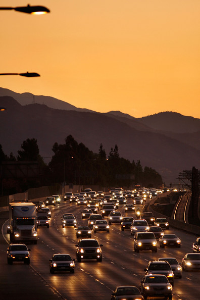 U.S. Pledges To Reduce GHG Emissions 17 Percent By 2020 Ahead Of Summit: PASADENA, CA - DECEMBER 1:  Morning commuters travel the 210 freeway between Los Angeles and cities to the east on December 1, 2009 near Pasadena, California. President Barack Obama will attend the international climate negotiations in Copenhagen next week with a vow to reduce US greenhouse gas emissions to about 17 percent below 2005 levels by 2020, and 83 percent by 2050. Meanwhile, California, which has some of the toughest clean air laws after decades of fighting some of the worst smog in the nation, is in the final phase of building a cap-and-trade market to provide incentives to reduce greenhouse emissions.  More than 60 world leaders are expected to take part in the climate negotiations in Copenhagen.   (Photo by David McNew/Getty Images)