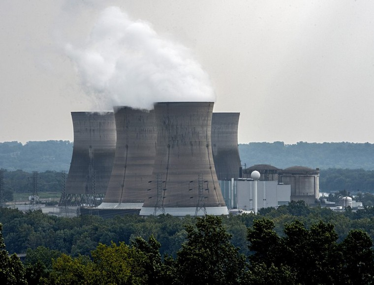 Exelon, the nation's largest nuclear power generator, says it will shut down Unit 1 at the Three Mile Island nuclear power plant complex in September in the absence of any financial support Pennsylvania. (Clem Murray/The Philadelphia Inquirer/TNS)