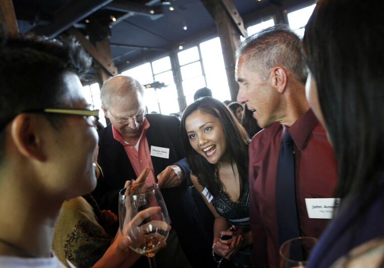 OneVietnam co-founder Uyen Nguyen mingles with guests at the website's launch party in San Francisco, California. The social networking site, OneVietnam.org, aims to connect young Vietnamese-Americans with the culture of their parents, grandparents and homeland, as well as to nonprofits providing assistance to Vietnamese communities. (LiPo Ching/San Jose Mercury News/MCT)