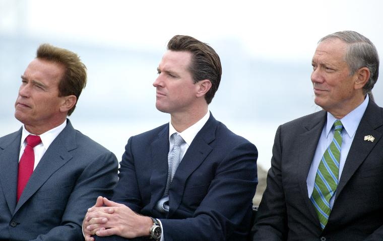 SCHWARZENEGGER SIGNS BILL FOR REDUCTION OF GREENHOUSE GASES: (Left to Right) California Governor Arnold Schwarzenegger, San Francisco Mayor Gavin Newsom and New York Governor George Pataki listen during the on bill signing ceremony of the California Global Warming Solutions Act of 2006, to reduce California's greenhouse gas emissions, on Treasure Island in San Francisco, on September 27, 2006.   (UPI Photo/Ken James)