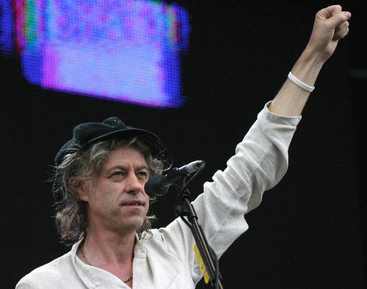 BOB GELDOF AT LIVE 8 LONDON-Event organizer and singer Bob Geldof performs during the Live 8 Concert in Hyde Park in London, England July 2, 2005.  The concert, held simultaneously in many cities around the world including Paris, Berlin, Philadelphia and Rome, is intended to call attention to world poverty ahead of next week's G8 meeting in Scotland.      (UPI Photo/David Silpa)