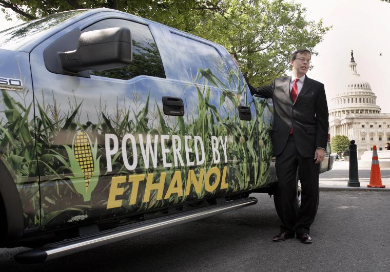 A NEWS CONFERENCE ON ALTERNATIVE ENERGY REFUELING SYSTEM ON CAPITOL HILL:Sen. James Talent (R-MO) poses for photographers at the ethanol powered Ford F-150 outside of U.S. Capitol in Washington before a news conference to highlight the Alternative Energy Refueling System Act of 2006 (H.R.5346) on May 17, 2006. The legislation would provide